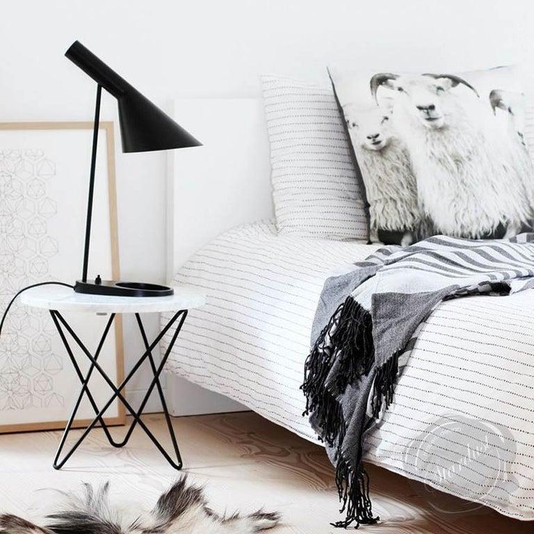 Louis Poulsen, AJ Steel Table Lamp by Arne Jacobsen In New Condition For Sale In Saint-Ouen, FR