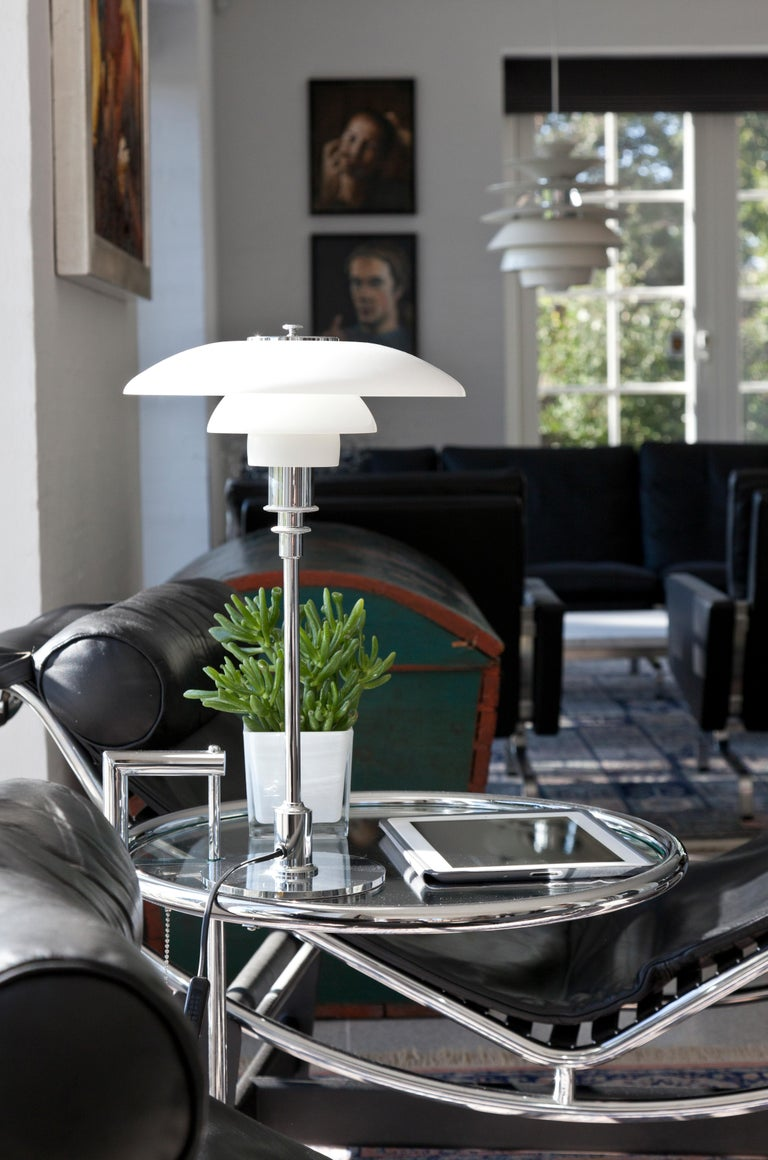 Louis Poulsen PH 3½-2½ Glass Table Lamp by Poul Henningsen For Sale 2