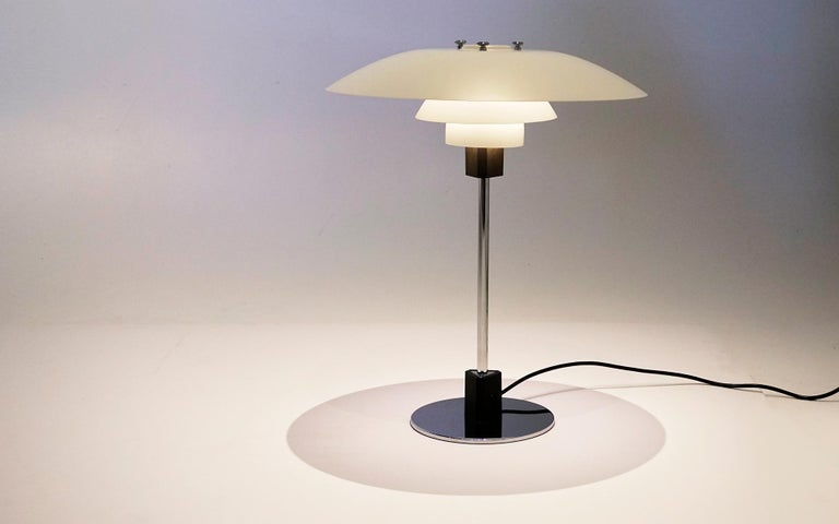 Louis Poulsen PH 4/3 Table Lamp in Matte White made by Poul Henningsen, Denmark In Good Condition For Sale In Kansas City, MO