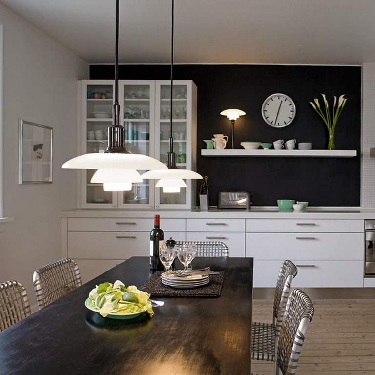 Louis Poulsen, Small Pendant Light by Poul Henningsen In New Condition For Sale In Saint-Ouen, FR