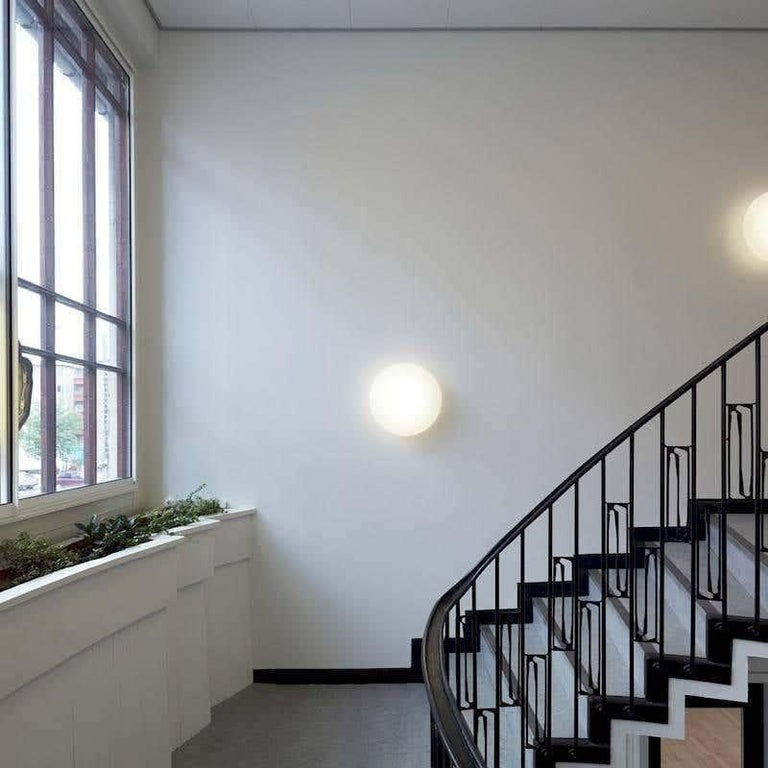Louis Poulsen, Wall Lamp by Arne Jacobsen In New Condition For Sale In Saint-Ouen, FR