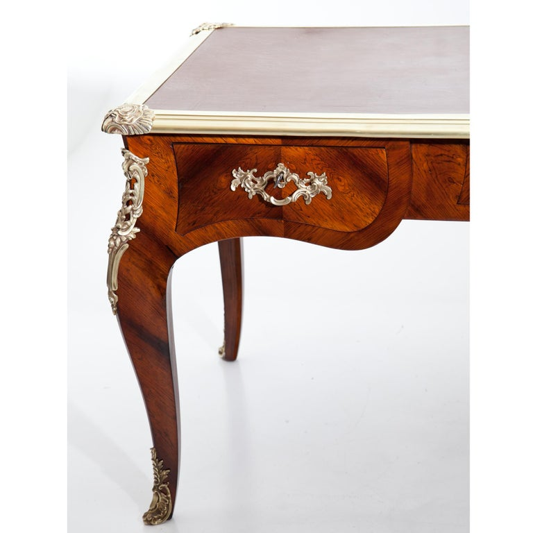 Louis-quinze-style Bureau Plat, France, circa 1900 For Sale 1