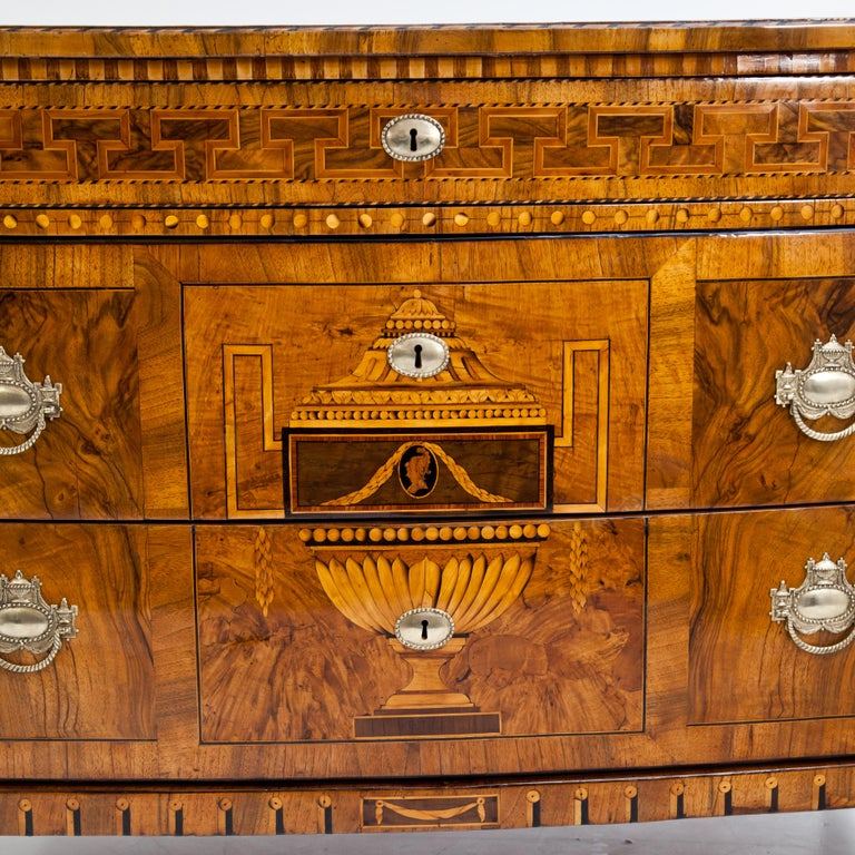 Louis-Seize Chest of Drawers, Dresden, circa 1790 In Good Condition For Sale In Greding, DE