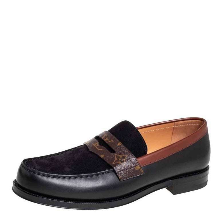 These timeless Sorbonne loafers will leave you looking smart and polished. Crafted from smooth leather and suede they are adorned with penny keeper straps made from Monogram canvas and neat stitches. The insoles are lined with leather and feature