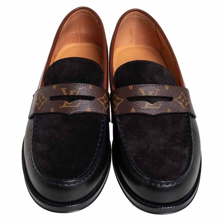 Louis Vuitto Black/Brown Monogram Canvas And Suede Sorbonne Loafers Size 42 In New Condition In Dubai, Al Qouz 2