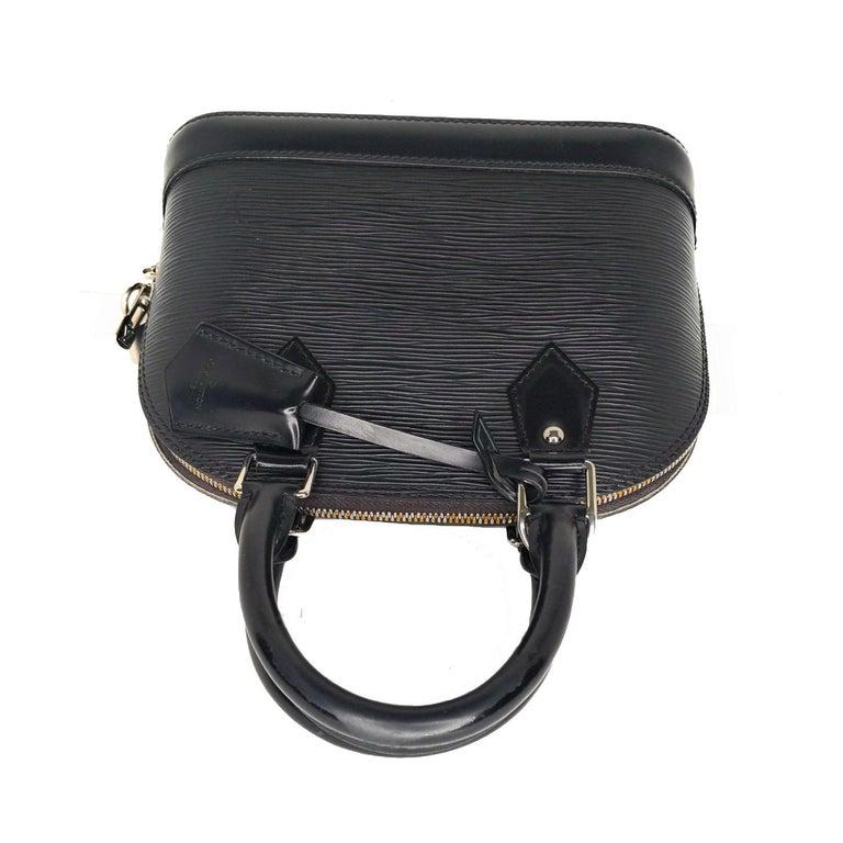 Louis Vuitton 2014 Black EPI Alma BB Satchel For Sale 1