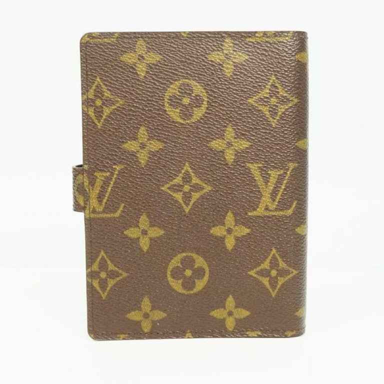 An authentic LOUIS VUITTON Agenda PM unisex notebook cover R20005 The outside material is Monogram canvas. The pattern is AgendaPM. This item is Contemporary. The year of manufacture would be 2004. Rank AB signs of wear (Small) Used goods in good