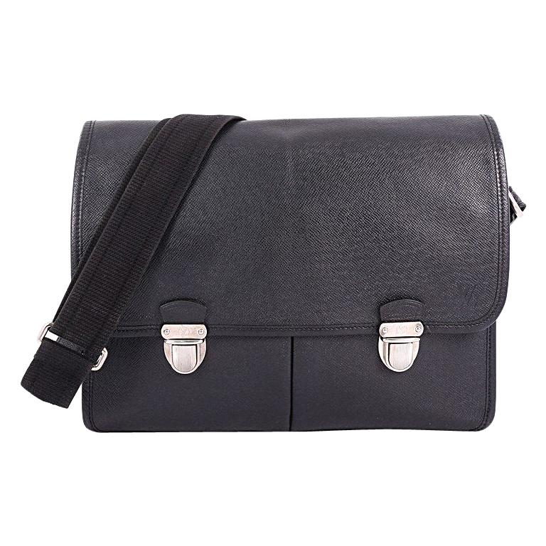 7442fef1a60 Louis Vuitton Alexei Messenger Bag Taiga Leather For Sale at 1stdibs