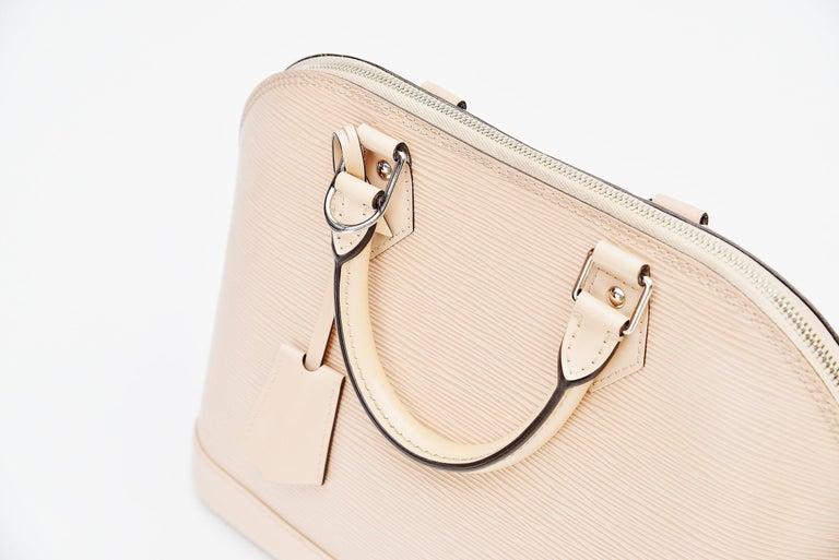 Louis Vuitton Alma Epi Leather Bag For Sale 5