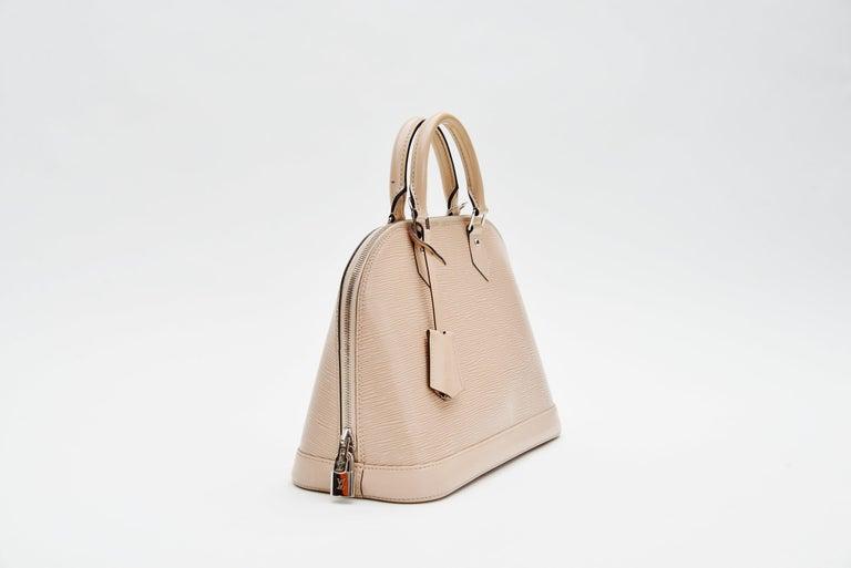 Beige Louis Vuitton Alma Epi Leather Bag For Sale