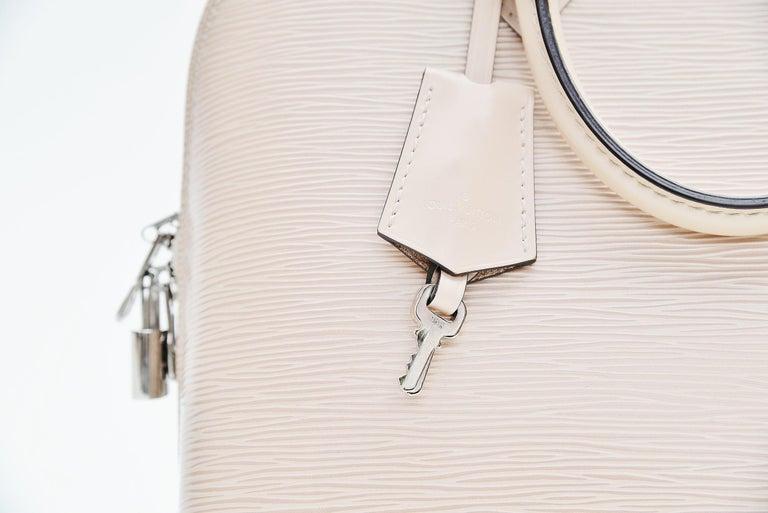 Louis Vuitton Alma Epi Leather Bag For Sale 1