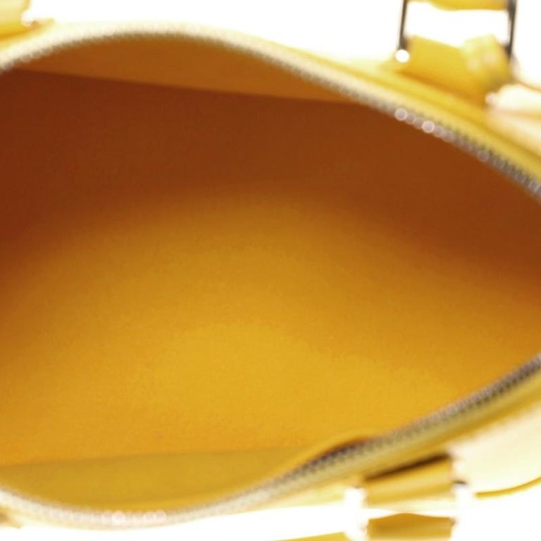 Louis Vuitton Alma Handbag Epi Leather BB For Sale 2