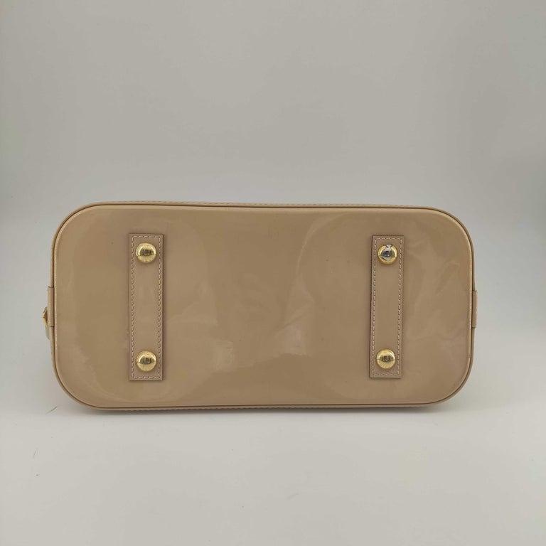 Women's LOUIS VUITTON Alma Handbag in Beige Leather