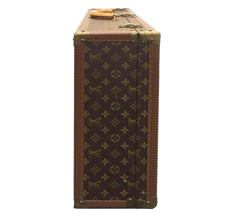 Women's or Men's Louis Vuitton Alzer 60 Luggage Bag, monogram canvas  For Sale
