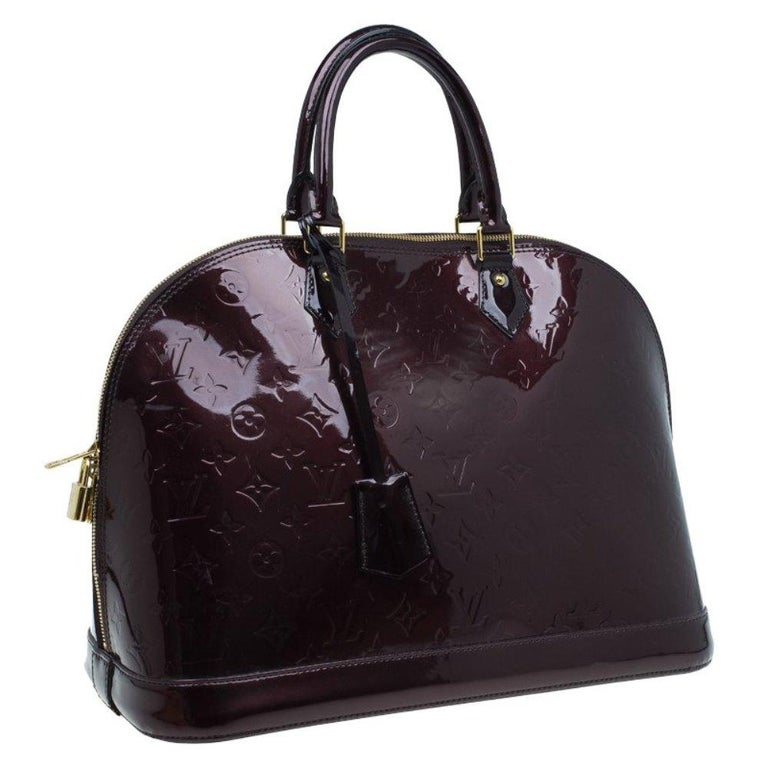 Women's Louis Vuitton Amarante Monogram Vernis Alma GM Bag For Sale
