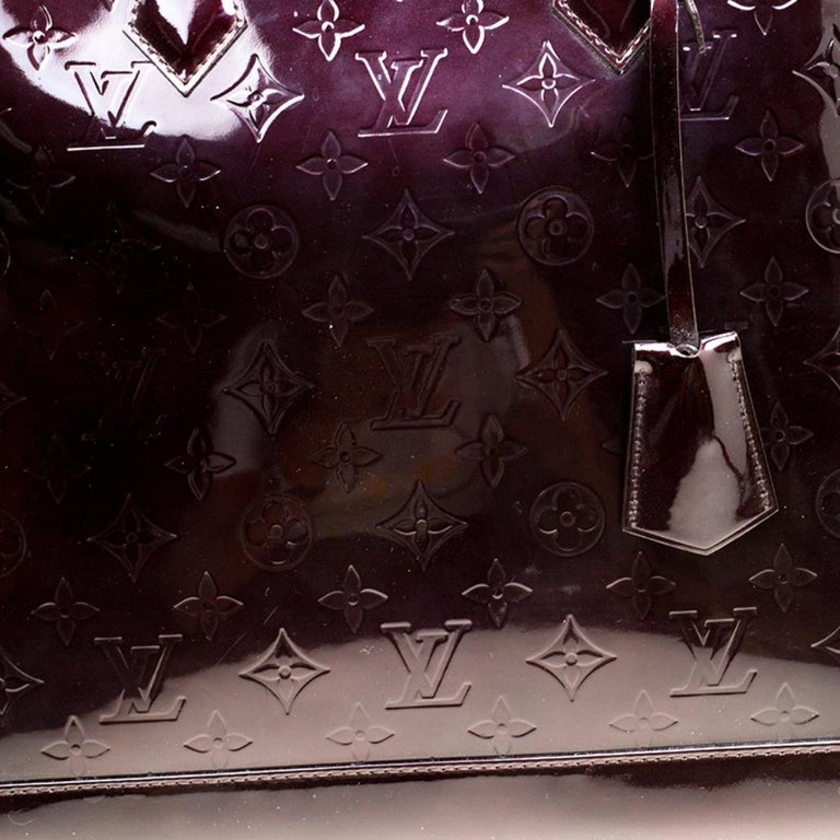 Louis Vuitton Amarante Monogram Vernis Alma GM Bag For Sale 2