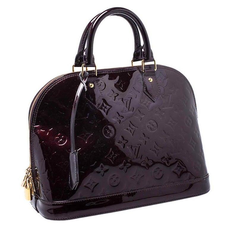 Women's Louis Vuitton Amarante Monogram Vernis Alma PM Bag For Sale