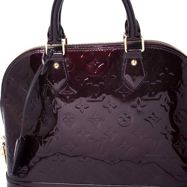 Louis Vuitton Amarante Monogram Vernis Alma PM Bag For Sale 1