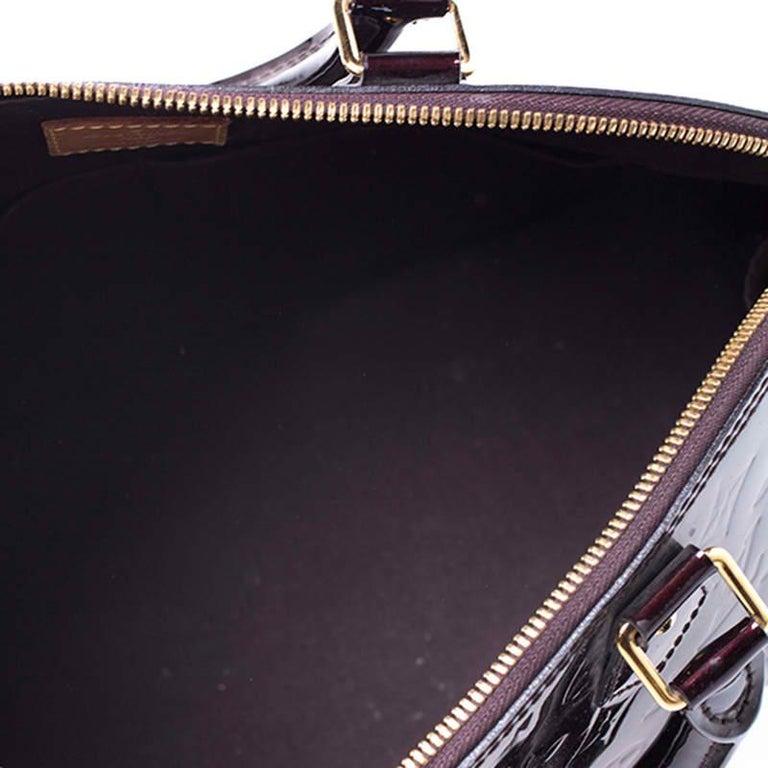Louis Vuitton Amarante Monogram Vernis Alma PM Bag For Sale 3