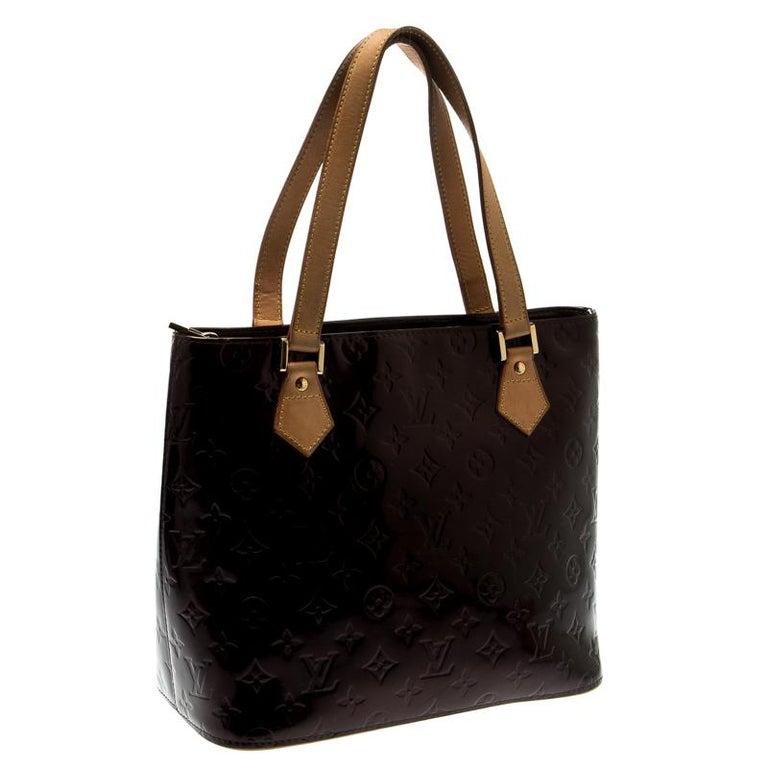 Louis Vuitton Amarante Monogram Vernis Leather Houston Bag In Good Condition For Sale In Dubai, Al Qouz 2