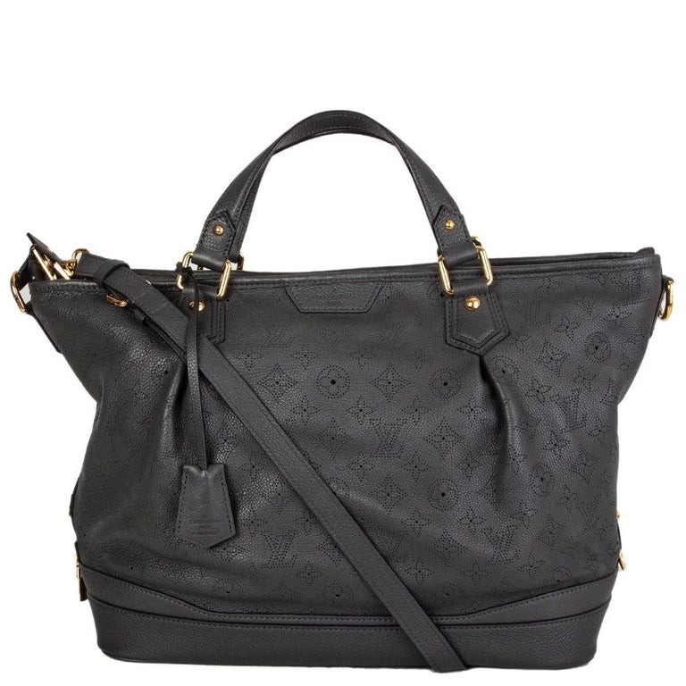 Black LOUIS VUITTON Anthracite grey leather Monogram MAHINA STELLAR GM Shoulder Bag For Sale