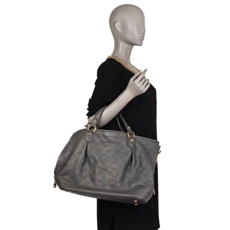 Women's LOUIS VUITTON Anthracite grey leather Monogram MAHINA STELLAR GM Shoulder Bag For Sale