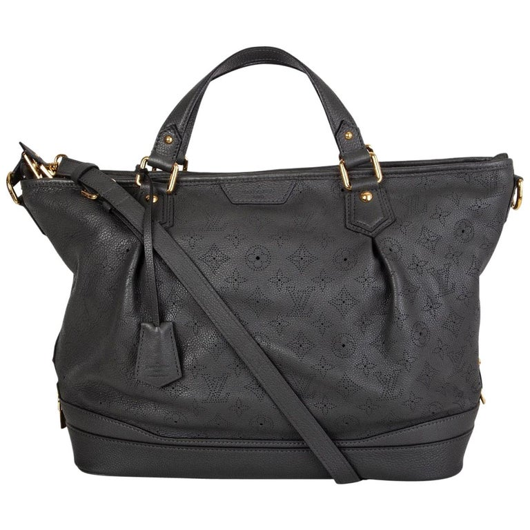 LOUIS VUITTON Anthracite grey leather Monogram MAHINA STELLAR GM Shoulder Bag For Sale