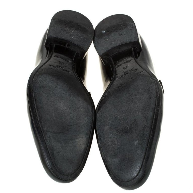 Louis Vuitton Anthracite Patent Leather Glass Dome Loafers Size 42.5 In Good Condition For Sale In Dubai, Al Qouz 2