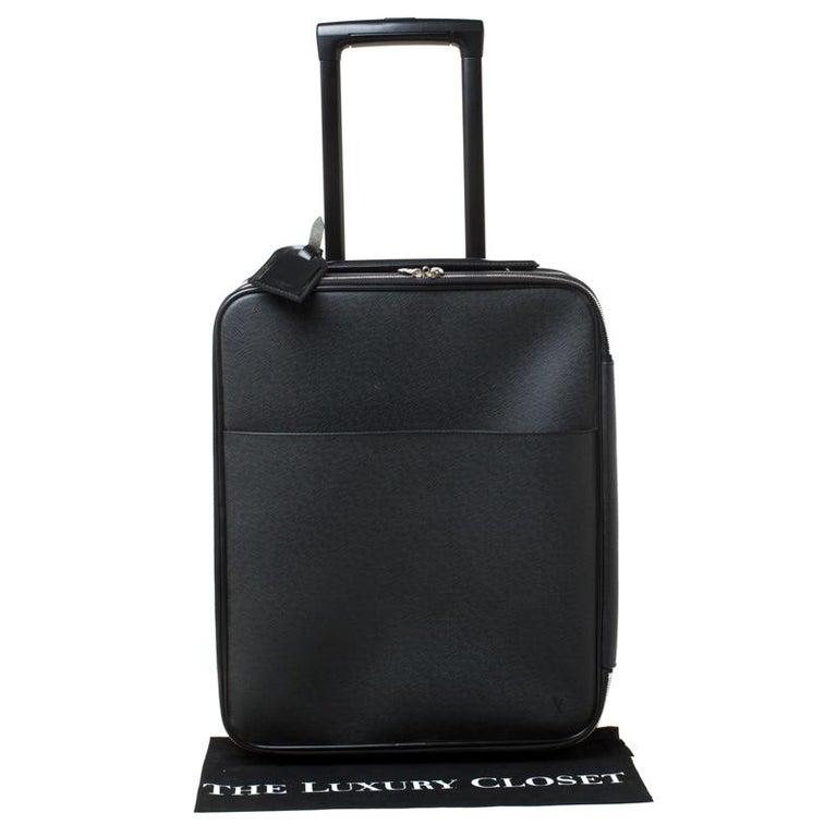 Louis Vuitton Ardoise Taiga Leather Pegase 45 Business Luggage For Sale 7