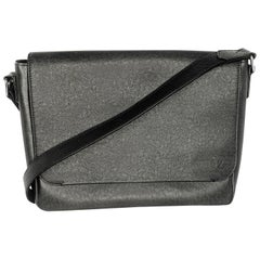Louis Vuitton Ardoise Taiga Leather Roman MM Messenger Bag