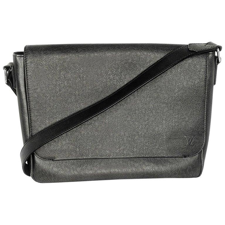 Louis Vuitton Ardoise Taiga Leather Roman MM Messenger Bag For Sale