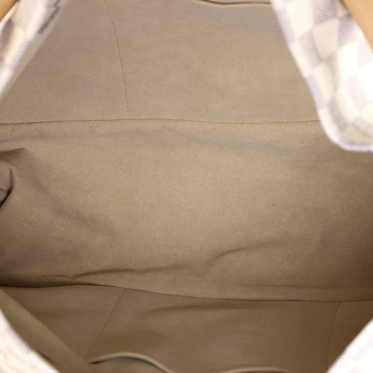 Women's or Men's Louis Vuitton Artsy Handbag Damier MM For Sale