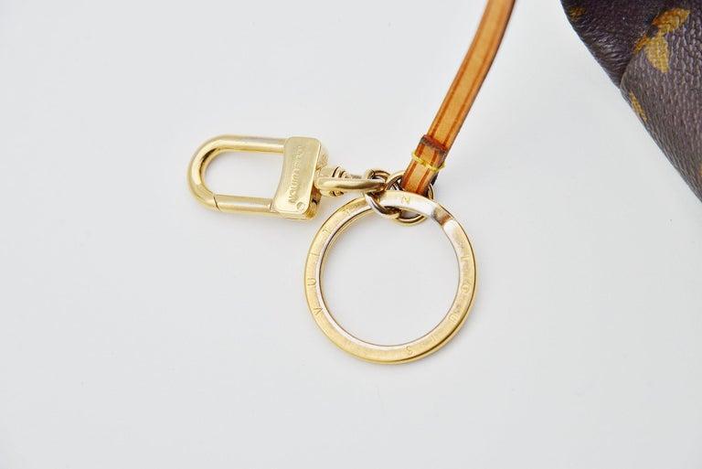 Louis Vuitton Artsy Handbag Monogram Canvas MM For Sale 5