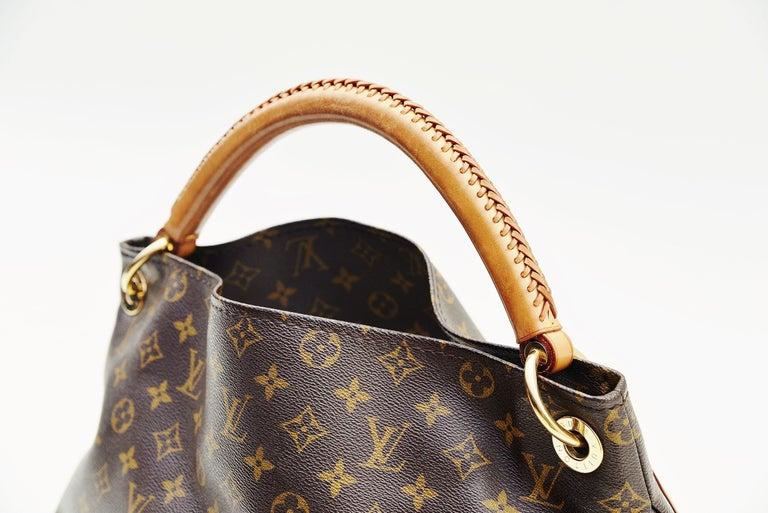 Louis Vuitton Artsy Handbag Monogram Canvas MM In Good Condition For Sale In Roosendaal, NL