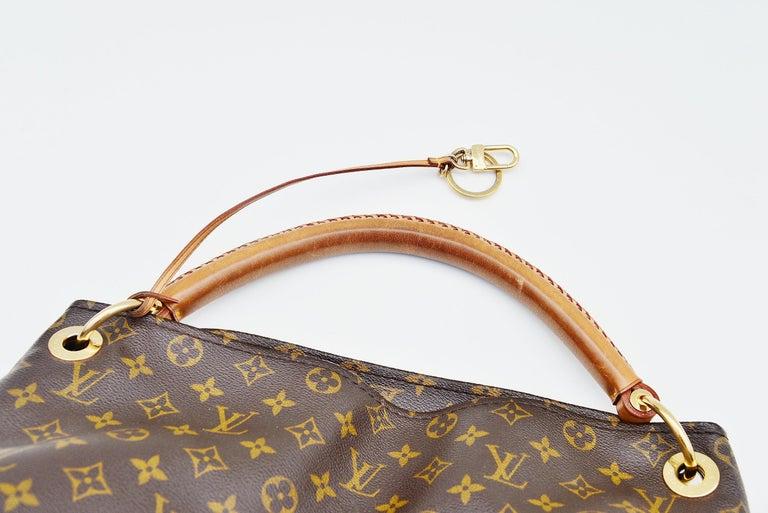 Louis Vuitton Artsy Handbag Monogram Canvas MM For Sale 1