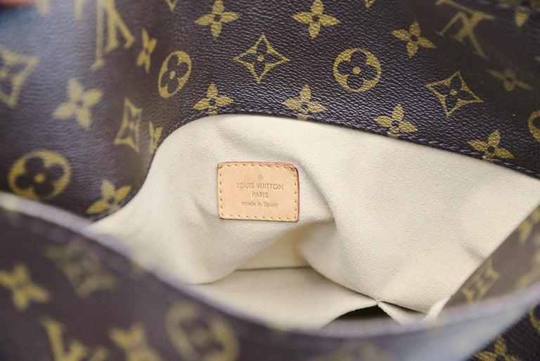 Louis Vuitton Artsy Handbag Monogram Canvas MM For Sale 3