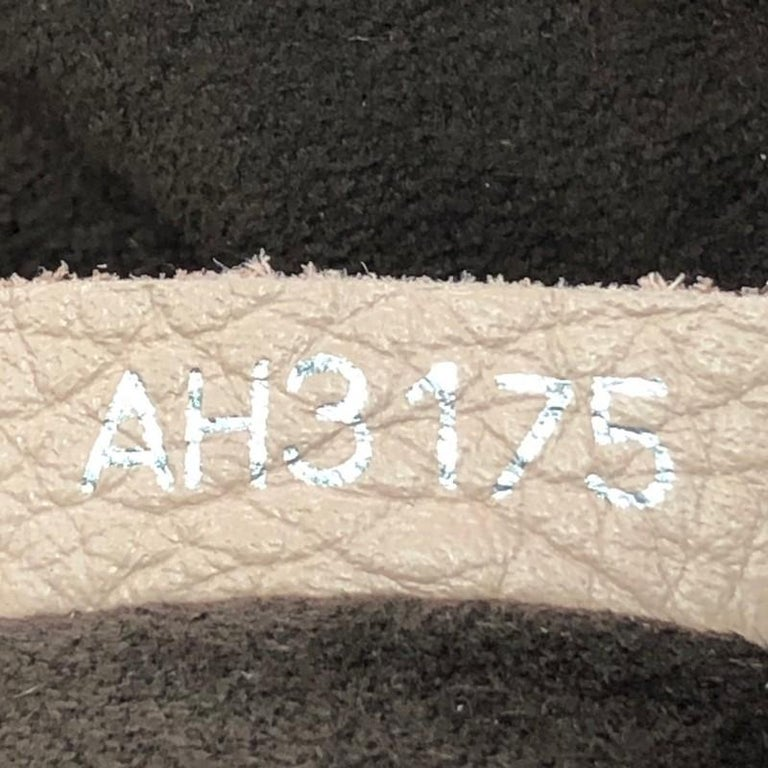 Louis Vuitton Babylone Handbag Mahina Leather PM For Sale 4