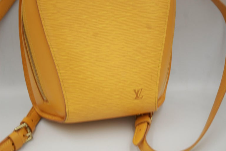 Louis Vuitton backpack, Mabillon with  adjustable shoulder strap, Really good coondition ( the spots in the photo are just shadows from the light). Dimensions 28x21cm