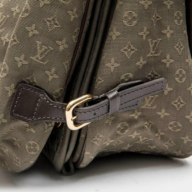 LOUIS VUITTON Bag in Khaki Green Monogram Canvas and Leather For Sale 5