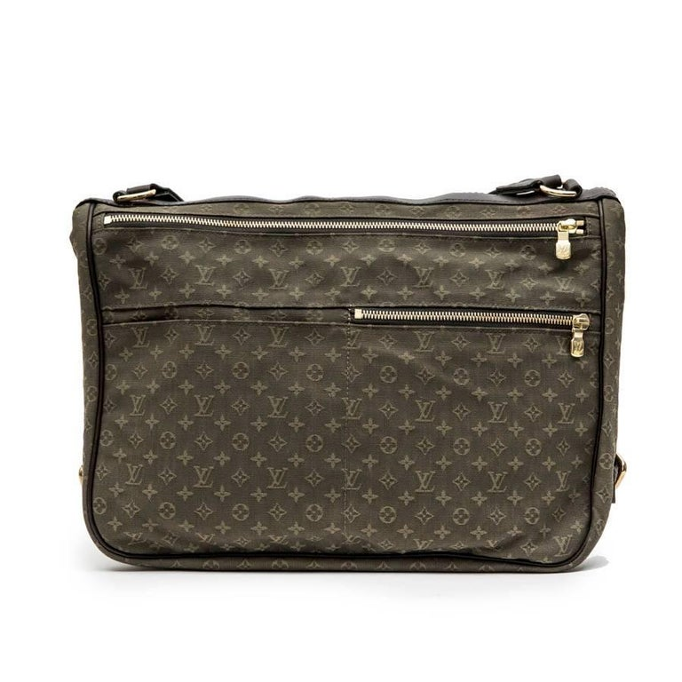 LOUIS VUITTON Bag in Khaki Green Monogram Canvas and Leather In Excellent Condition For Sale In Paris, FR