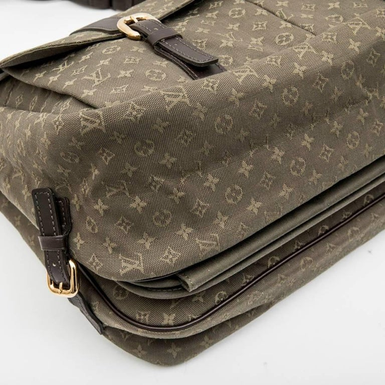 LOUIS VUITTON Bag in Khaki Green Monogram Canvas and Leather For Sale 1