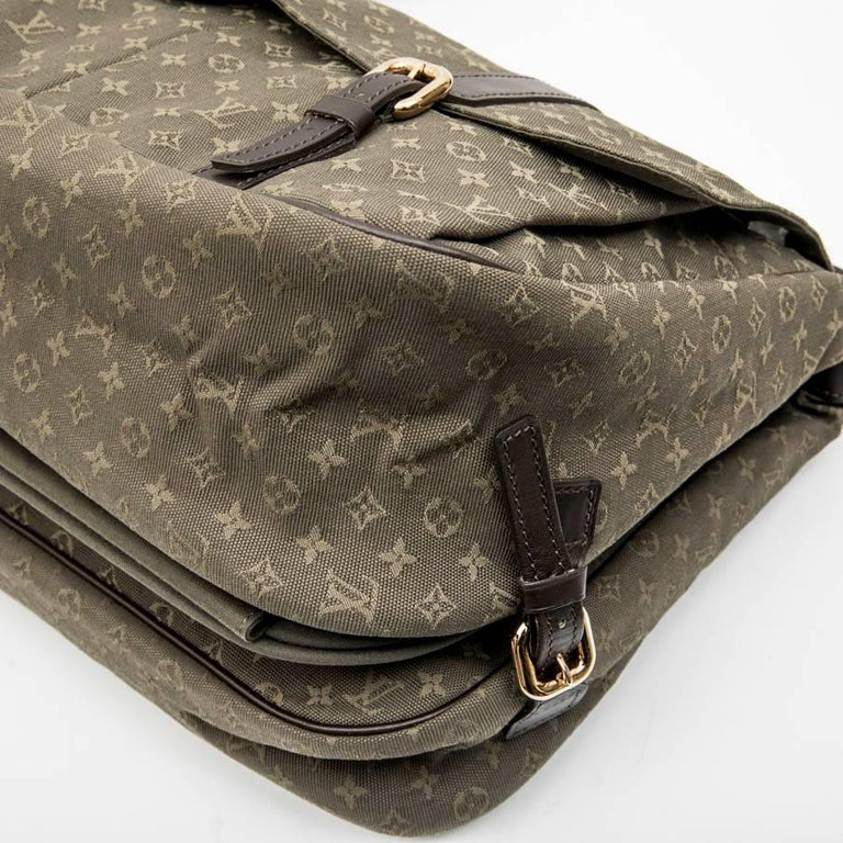 LOUIS VUITTON Bag in Khaki Green Monogram Canvas and Leather For Sale 2