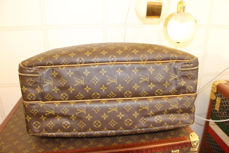 Louis Vuitton Bag in Monogram, 2 compartments For Sale 6
