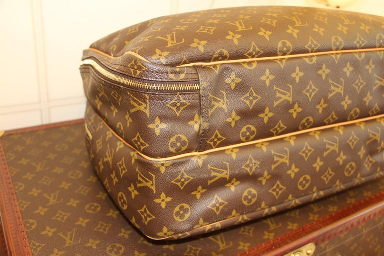 Louis Vuitton Bag in Monogram, 2 compartments For Sale 7