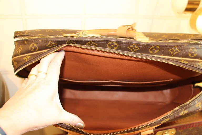 Louis Vuitton Bag in Monogram, 2 compartments For Sale 11