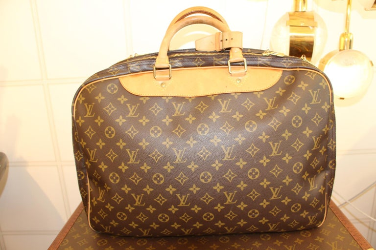 Louis Vuitton Bag in Monogram, 2 compartments For Sale 2