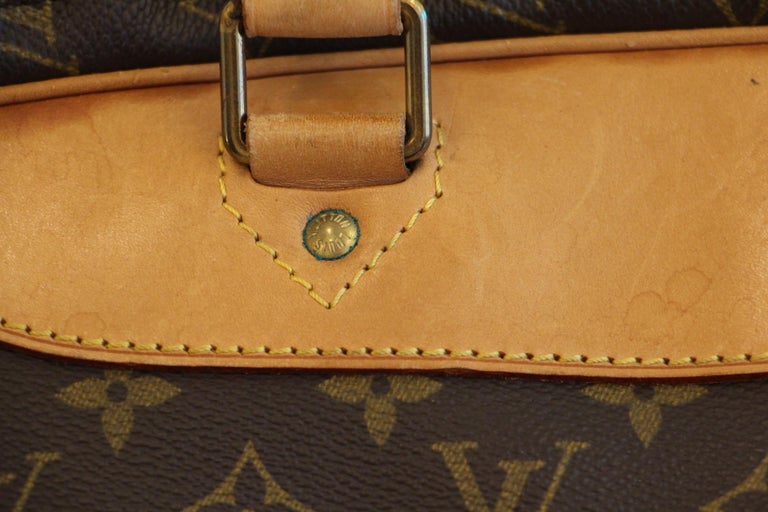 Louis Vuitton Bag in Monogram, 2 compartments For Sale 4