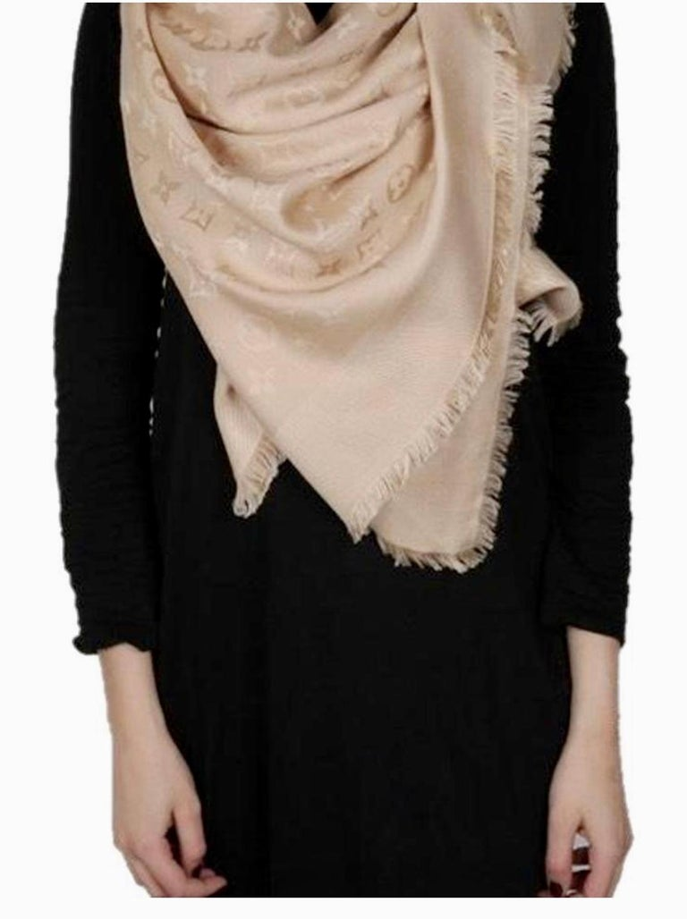 Women's Louis Vuitton Beige/Dune Monogram Shawl Scarf/Wrap Scarf Size 56X56 For Sale