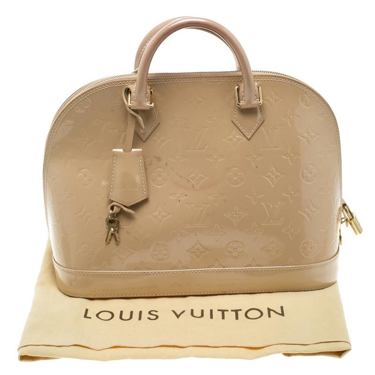 Louis Vuitton Beige Monogram Vernis Alma PM Bag For Sale 5