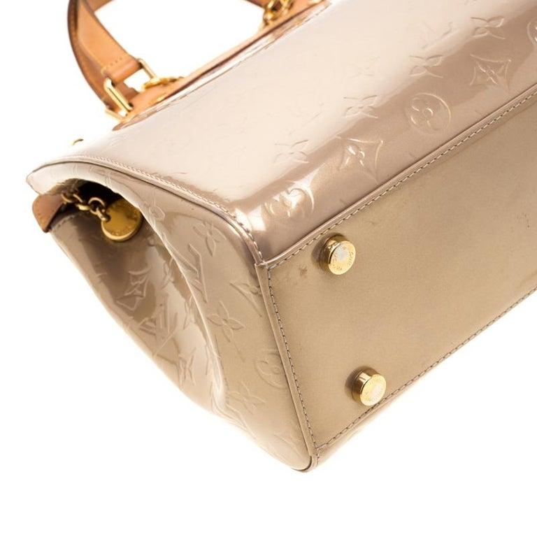 Louis Vuitton Beige Poudre Monogram Vernis Brea GM Bag For Sale 6